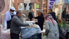 Suriyelilerin Bir Kap Sıcak Yemek Mutluluğu