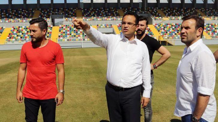 Milli futbolcu Yeni Bornova Stadı'nı gezdi