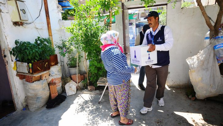 Büyükşehir, 40 bin aileye erzak yardımı yapacak
