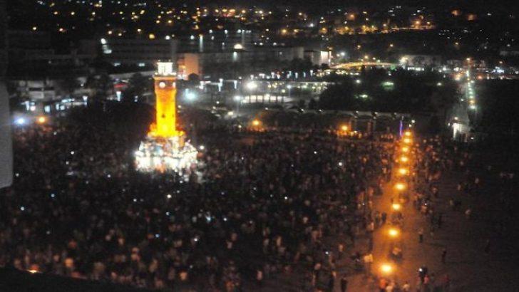 İzmir'de 15 Temmuz gecesi: Kriz masası nasıl çalıştı?