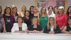 CHP'li kadınlardan 'nikah yetkisi'ne tepki ve ülkeye çağrı!