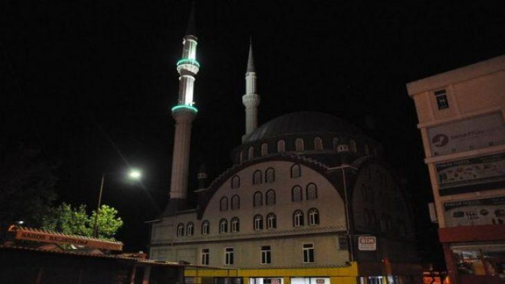 İzmir'de sela okuyan müezzine saldırıda 8 tutuklama!