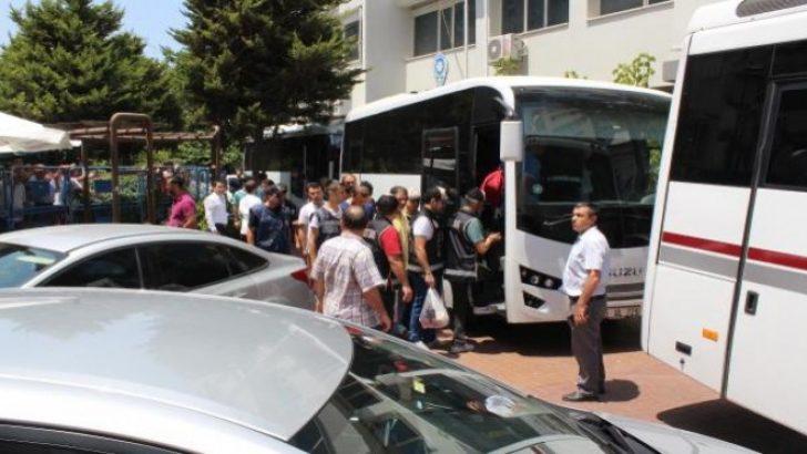 Flaş! İzmir'de 6 savcı ile 24 hakim için tutuklama talebi