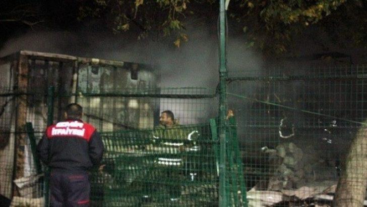 Kültürpark'ta korkutan depo yangını!