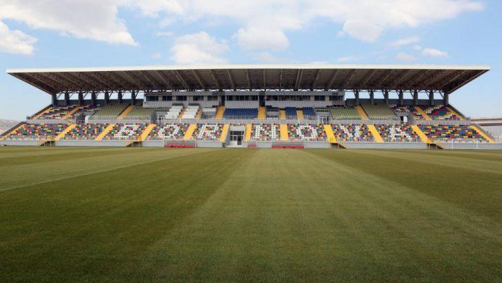 Bornova Stadı 'liderleri' ağırlıyor!