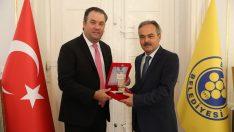Başkan Piriştina'ya 'İz Bırakanlar' Başarı ödülü