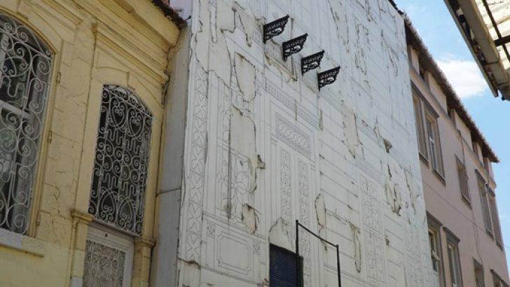 Yanan Tarihi Otel Küllerinden Doğacak