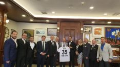 Ege Beşiktaşlı İş İnsanları Derneği'nden Soyer'e ziyaret