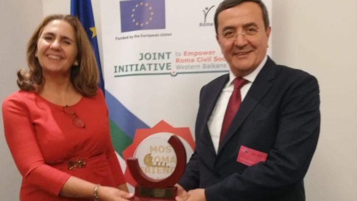 Batur En Roman Dostu Belediye Başkan Ödülünü Aldı