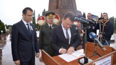 İzmir halkı Devrim Şehidi Kubilay ve arkadaşlarını unutmadı