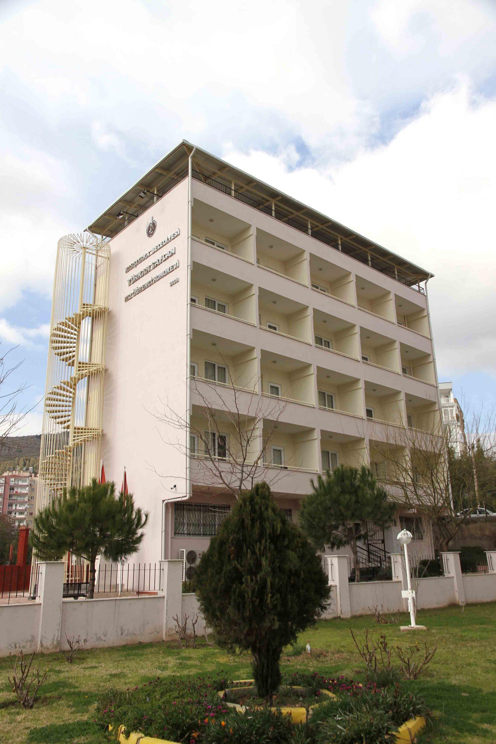 Karşıyaka Belediyesi iki konukevini sağlık çalışanlarına tahsis etti