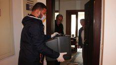Karşıyaka'da elektronik atıklar evlerden toplanıyor