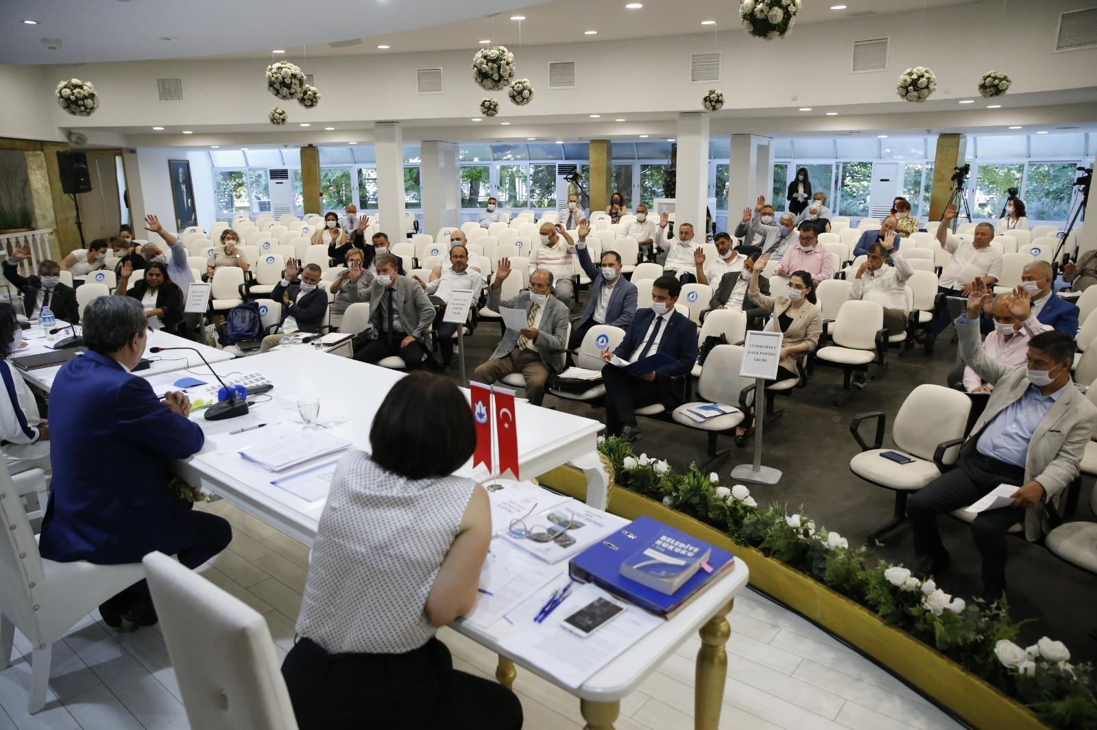 Batur: Konak'a iş yapmaya geldik