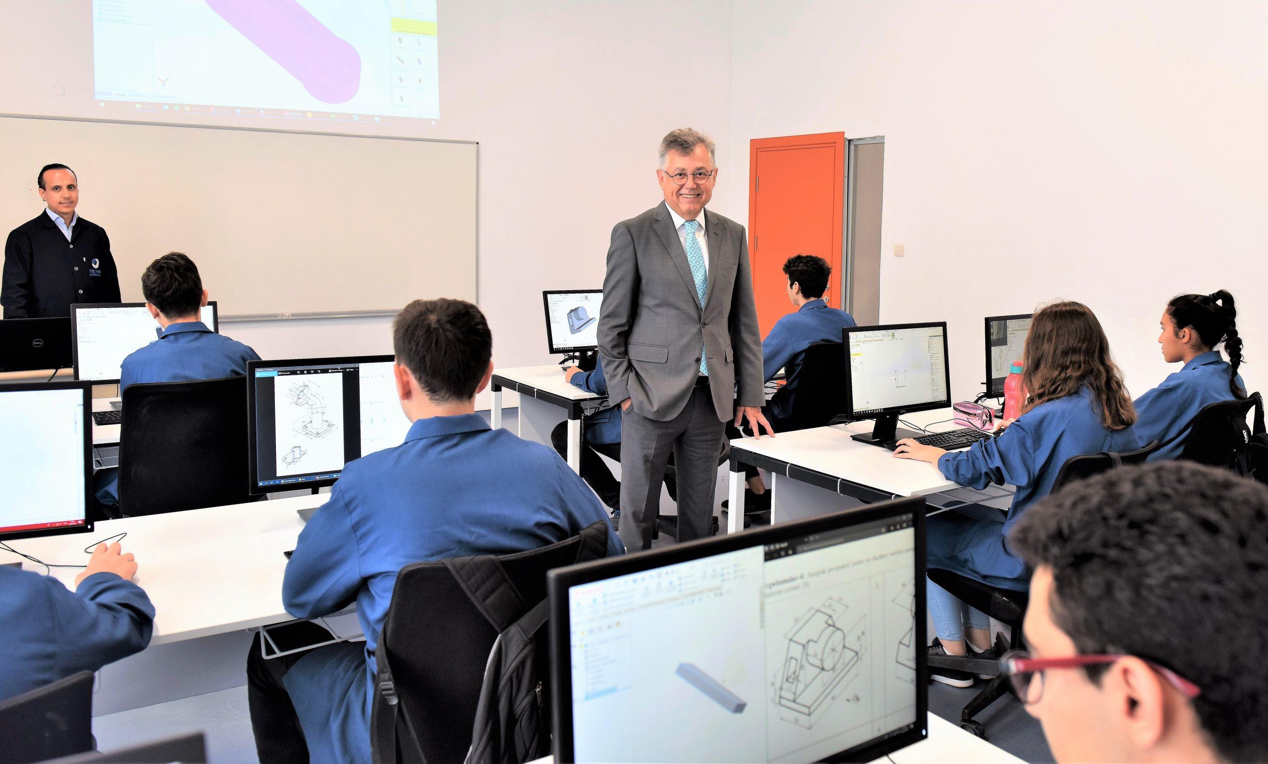 Geleceğin mühendislerini yetiştiren okula kayıtlar yarın başlıyor