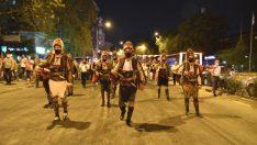 Bornova efelerle yürüdü