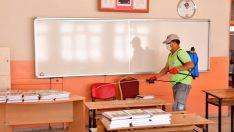 Narlıdere'nin okulları dezenfekte ediliyor