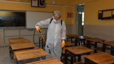 Çiğli'de okullar dezenfekte edildi