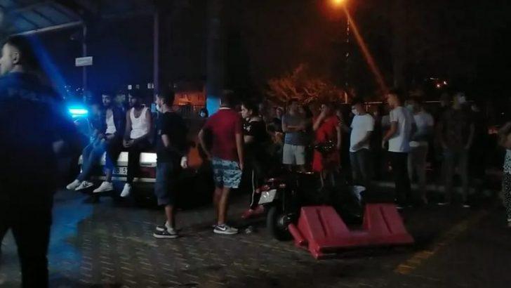 Konak'ta iki grup arasında silahlı kavga! Ölü ve yaralılar var