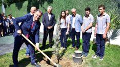 Daha yeşil bir Bornova için 5 ayda 5 bin fidan