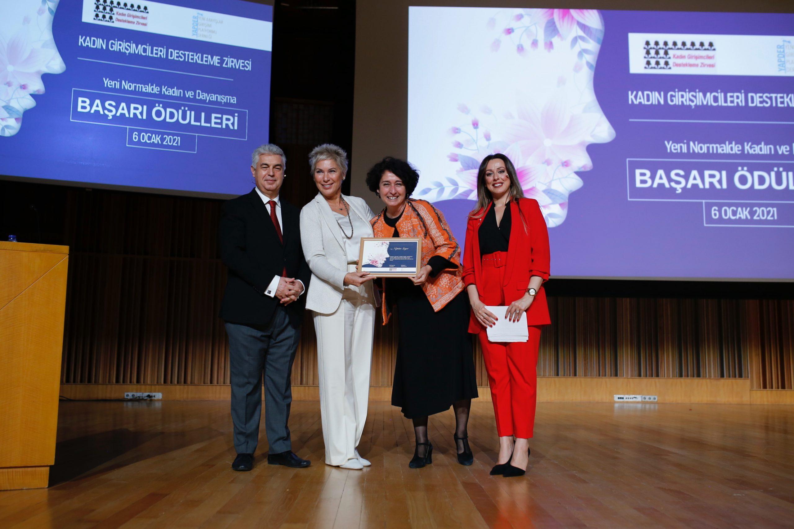 Neptün Soyer'e girişimcilik ödülü