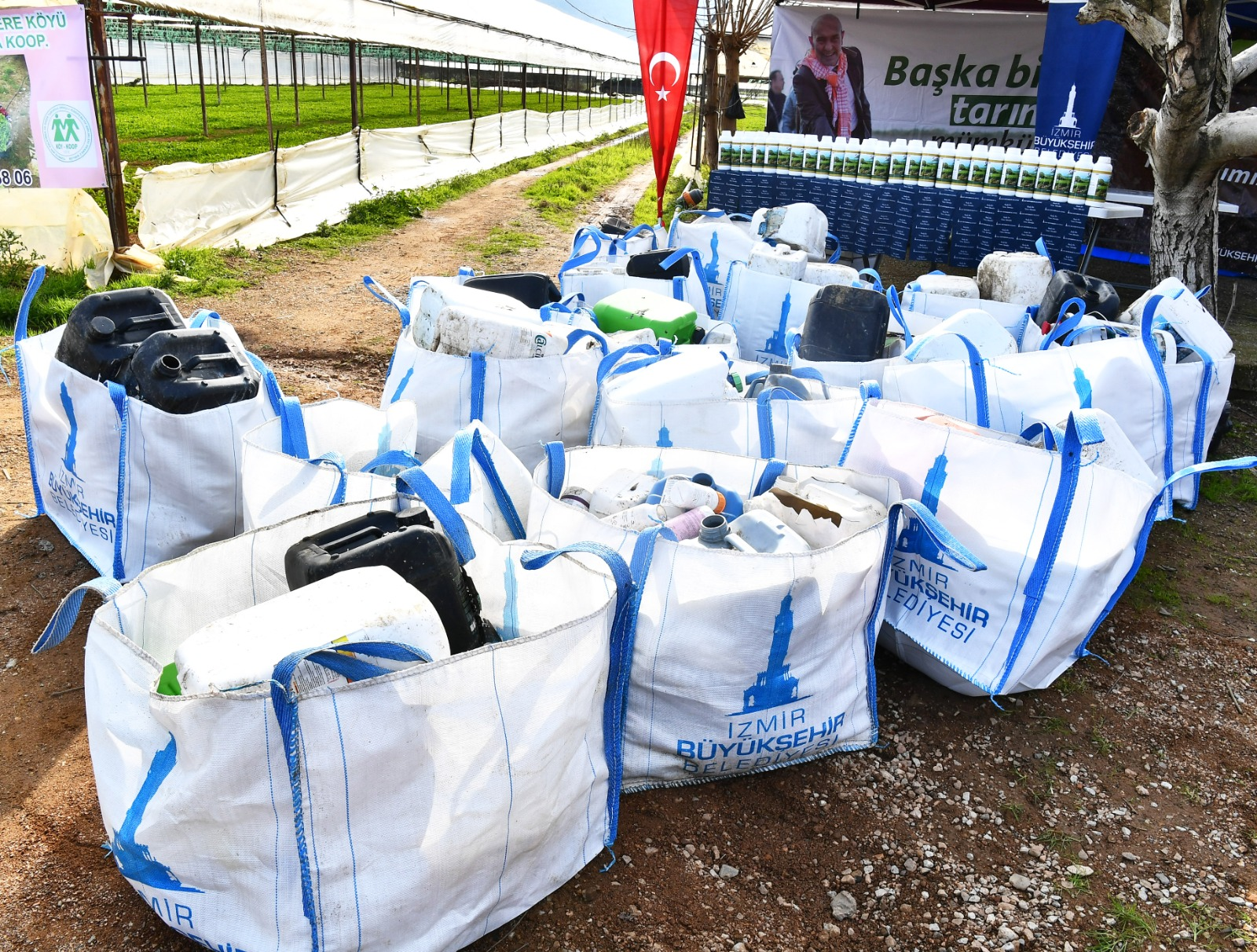 Zirai ambalaj atıklarını toplayan üreticiye gübre desteği
