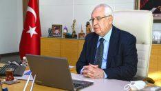 Başkan Selvitopu da memur adaylarına seslenerek, 'güleryüzlü olun' çağrısı yaptı.