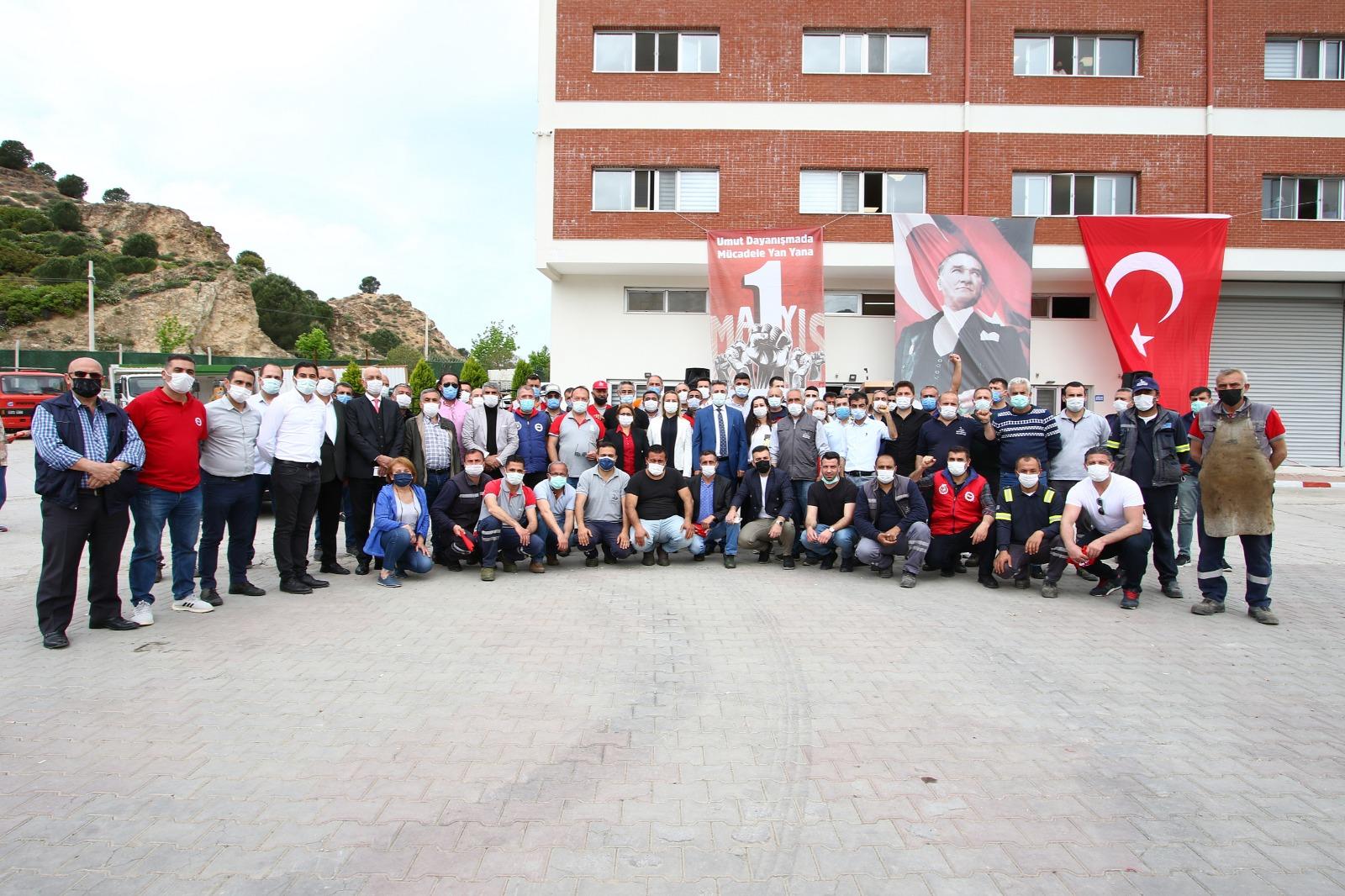 BAŞKAN SANDAL, EMEKÇİLERLE 1 MAYIS'I KUTLADI