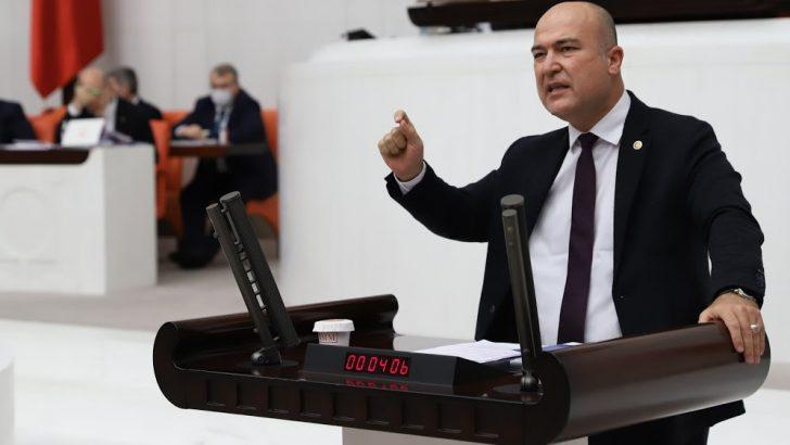 """Bakan: """"10 bin ton çöp aylardır Türkiye limanlarında bekliyor!"""""""