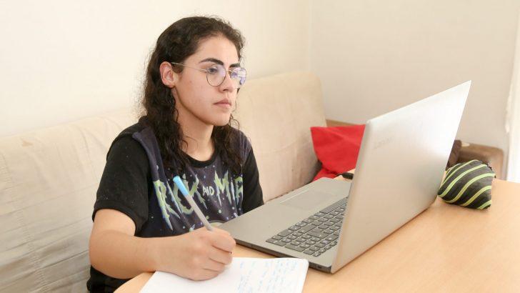 Dijital Dershane Bucalı gençleri sınava hazırladı