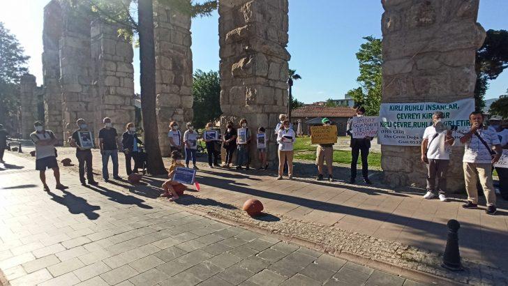 Efes Çevre Doğa ve Kültür Derneği Çevre Günü Dolayısıyla Selçuk'ta basın açıklaması yaptı