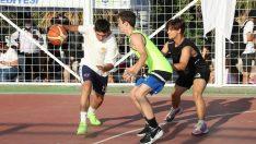 İzmirli basketbolcular Gaziemir'de ter döktü