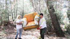 Başkan Kılıç kolları sıvadı, ormandaki çöpleri tek tek topladı