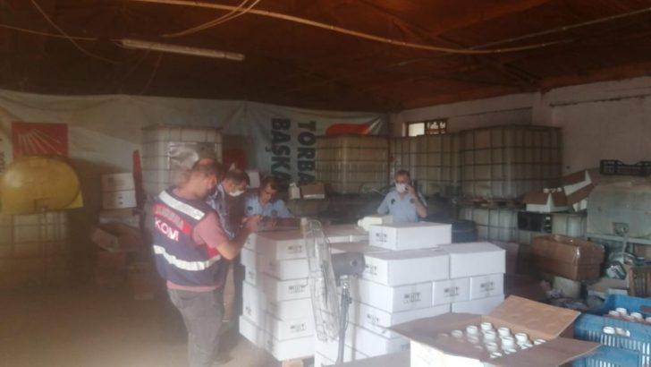 Torbalı Belediyesi Zabıta Müdürlüğü ve İlçe jandarma ekipleri kırsal Kuşçuburun Mahallesi'nde dev bir operasyona imza attı